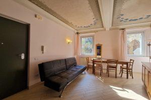 L'Agenzia Immobiliare Puzielli, proponebilocale in vendita nel centro storico di Fermo (5)
