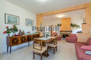L'Agenzia Immobiliare Puzielliproponecasa di campagna con vista mare e terreno a Capodarco (11)