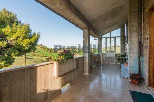 L'Agenzia Immobiliare Puzielliproponecasa di campagna con vista mare e terreno a Capodarco (18)