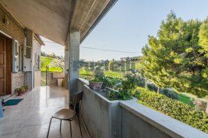 L'Agenzia Immobiliare Puzielliproponecasa di campagna con vista mare e terreno a Capodarco (19)