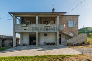 L'Agenzia Immobiliare Puzielliproponecasa di campagna con vista mare e terreno a Capodarco (22)
