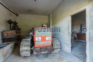 L'Agenzia Immobiliare Puzielliproponecasa di campagna con vista mare e terreno a Capodarco (9)