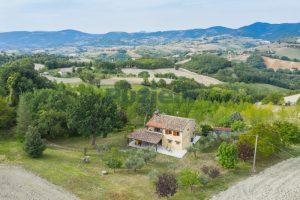 L'Agenzia Immobiliare Puzielli propone casa di campagna vista panoramica (12)