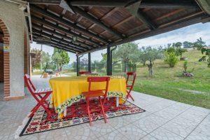 L'Agenzia Immobiliare Puzielli propone casa di campagna vista panoramica (32)