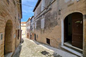 L'Agenzia Immobiliare Puzielli proponecasa indipendente nel centro storico di Fermo (32)