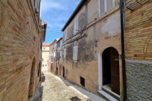 L'Agenzia Immobiliare Puzielli proponecasa indipendente nel centro storico di Fermo (33)