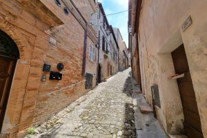 L'Agenzia Immobiliare Puzielli proponecasa indipendente nel centro storico di Fermo (36)