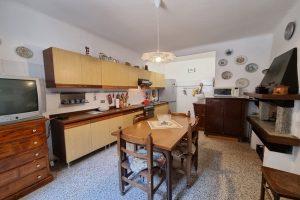 L'Agenzia Immobiliare Puzielli proponecasa indipendente nel centro storico di Fermo (5)