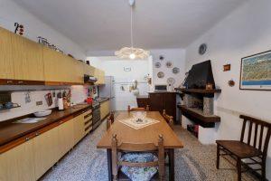 L'Agenzia Immobiliare Puzielli proponecasa indipendente nel centro storico di Fermo (6)