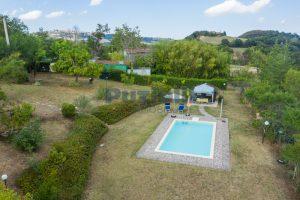 L'Agenzia Immobiliare Puziellipropone casale ad uso bed and breakfast con piscina (10)