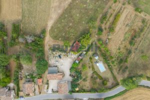 L'Agenzia Immobiliare Puziellipropone casale ad uso bed and breakfast con piscina (13)