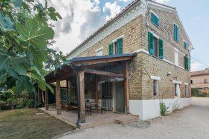 L'Agenzia Immobiliare Puziellipropone casale ad uso bed and breakfast con piscina (21)