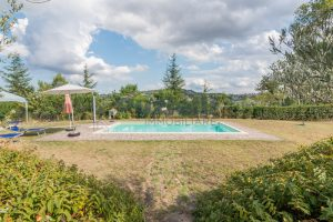 L'Agenzia Immobiliare Puziellipropone casale ad uso bed and breakfast con piscina (26)