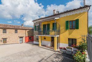 L'Agenzia Immobiliare Puziellipropone casale ad uso bed and breakfast con piscina (34)