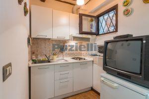 L'Agenzia Immobiliare Puziellipropone casale ad uso bed and breakfast con piscina (37)