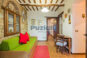 L'Agenzia Immobiliare Puziellipropone casale ad uso bed and breakfast con piscina (38)