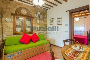 L'Agenzia Immobiliare Puziellipropone casale ad uso bed and breakfast con piscina (39)