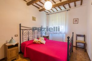 L'Agenzia Immobiliare Puziellipropone casale ad uso bed and breakfast con piscina (40)