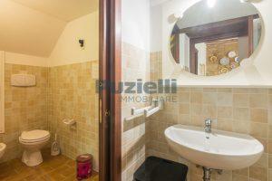 L'Agenzia Immobiliare Puziellipropone casale ad uso bed and breakfast con piscina (41)