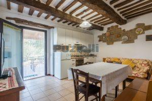 L'Agenzia Immobiliare Puziellipropone casale ad uso bed and breakfast con piscina (43)