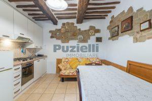L'Agenzia Immobiliare Puziellipropone casale ad uso bed and breakfast con piscina (44)