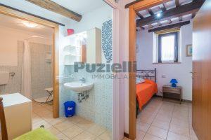 L'Agenzia Immobiliare Puziellipropone casale ad uso bed and breakfast con piscina (45)