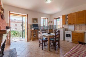 L'Agenzia Immobiliare Puziellipropone casale ad uso bed and breakfast con piscina (46)