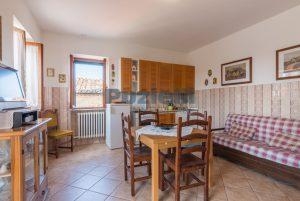 L'Agenzia Immobiliare Puziellipropone casale ad uso bed and breakfast con piscina (47)