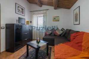 L'Agenzia Immobiliare Puziellipropone casale ad uso bed and breakfast con piscina (53)