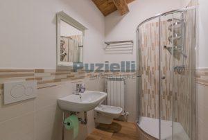 L'Agenzia Immobiliare Puziellipropone casale ad uso bed and breakfast con piscina (56)