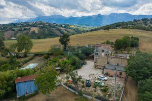 L'Agenzia Immobiliare Puziellipropone casale ad uso bed and breakfast con piscina (6)