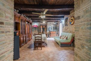 L'Agenzia Immobiliare Puziellipropone casale ad uso bed and breakfast con piscina (64)