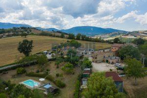 L'Agenzia Immobiliare Puziellipropone casale ad uso bed and breakfast con piscina (7)