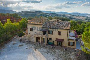 L'Agenzia Immobiliare Puziellipropone casale ristrutturato in vendita a Camporoton (15)