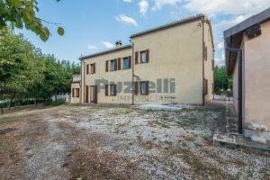 L'Agenzia Immobiliare Puziellipropone casale ristrutturato in vendita a Camporoton (35)