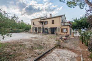 L'Agenzia Immobiliare Puziellipropone casale ristrutturato in vendita a Camporoton (40)