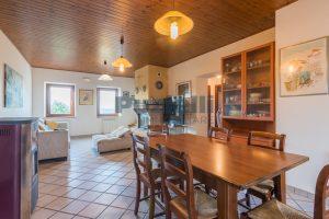 L'Agenzia Immobiliare Puziellipropone casale ristrutturato in vendita a Camporoton (44)