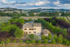 L'Agenzia Immobiliare Puziellipropone casale ristrutturato in vendita a Camporoton (8)