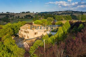 L'Agenzia Immobiliare Puziellipropone casale ristrutturato in vendita a Camporoton (9)