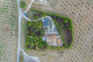 L'Agenzia Immobiliare Puziellipropone casale ristrutturato in vendita a Camporotondo (1)