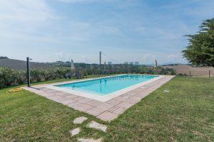 L'Agenzia Immobiliare Puzielliproponecasolare con piscina adibito ad attività ricettiva turistica (32)