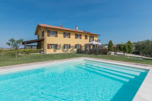 L'Agenzia Immobiliare Puzielliproponecasolare con piscina adibito ad attività ricettiva turistica (35)