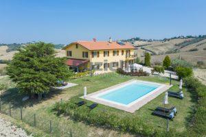 L'Agenzia Immobiliare Puzielliproponecasolare con piscina adibito ad attività ricettiva turistica (4)