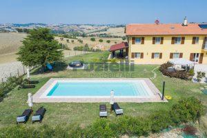 L'Agenzia Immobiliare Puzielliproponecasolare con piscina adibito ad attività ricettiva turistica (7)