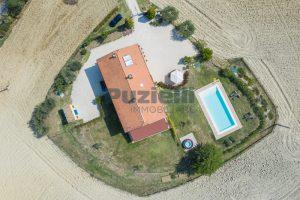 L'Agenzia Immobiliare Puzielliproponecasolare con piscina adibito ad attività ricettiva turistica (9)