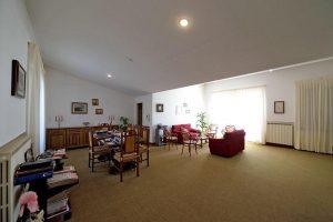 L'Agenzia Immobiliare Puzielliproponevilla frazionabile in tre unità immobiliare in vendita a Monte Urano (20)