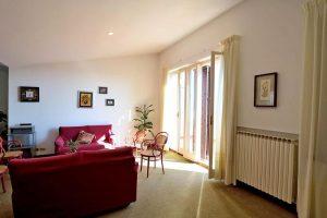 L'Agenzia Immobiliare Puzielliproponevilla frazionabile in tre unità immobiliare in vendita a Monte Urano (22)
