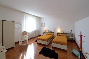 L'Agenzia Immobiliare Puzielliproponevilla frazionabile in tre unità immobiliare in vendita a Monte Urano (25)