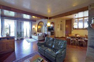 L'Agenzia Immobiliare Puzielliproponevilla frazionabile in tre unità immobiliare in vendita a Monte Urano (28)