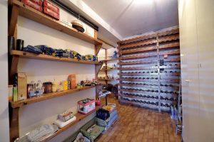 L'Agenzia Immobiliare Puzielliproponevilla frazionabile in tre unità immobiliare in vendita a Monte Urano (38)
